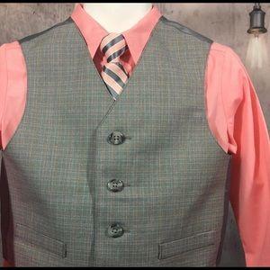 Brand New! Boys 4 Piece Suit Set.